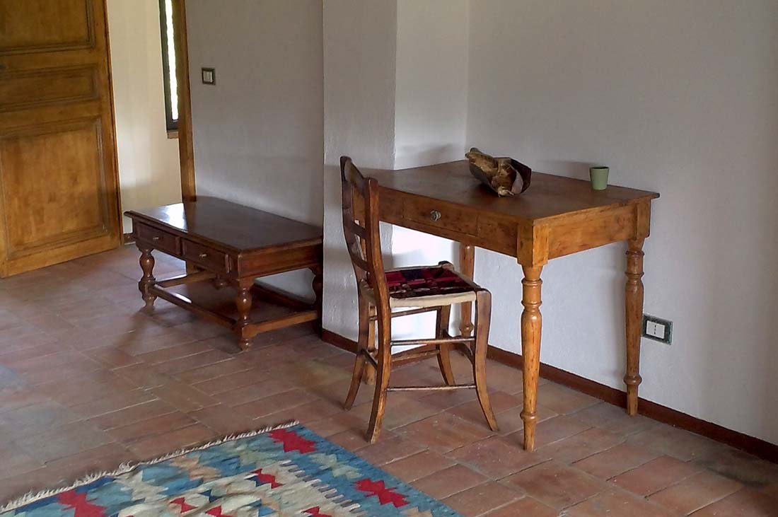 http://www.lacinghialina.it/wp-content/uploads/2015/06/ilfienile_castellarcuato_la_cinghialina_bed_and_breakfast_camera2.jpg