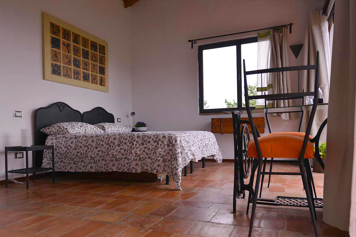 http://www.lacinghialina.it/wp-content/uploads/2018/07/bed-and-breakfast-castellarquato_la-chinghialina_lalegnaia4.jpg