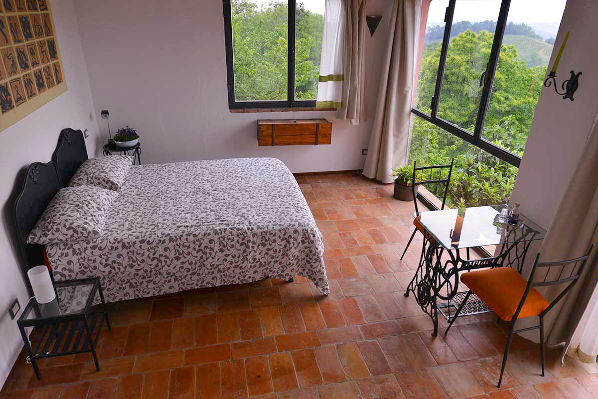 https://www.lacinghialina.it/wp-content/uploads/2018/07/bed-and-breakfast-castellarquato_la-chinghialina_lalegnaia3.jpg